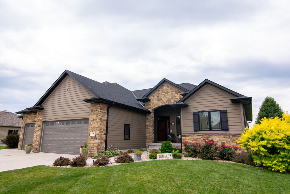 Exterior Real Estate for kwELITE